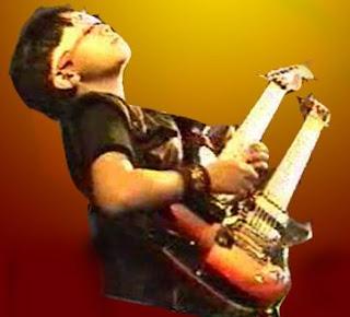 PraDipta,  Dewa Gitar Cilik
