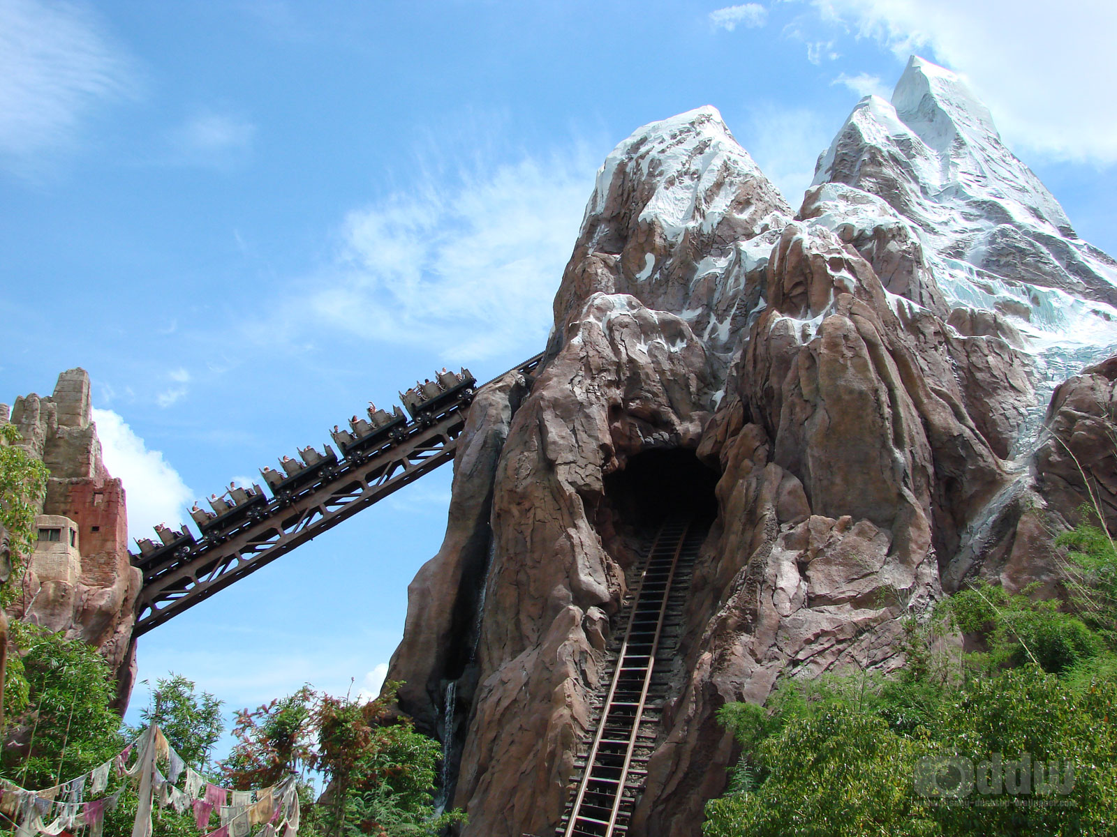 http://4.bp.blogspot.com/_Pi_BEuFvG5w/TUAqgUwbgPI/AAAAAAAAAAs/aZf4i7IMlU8/s1600/expedition-everest-animal-kingdom.jpg