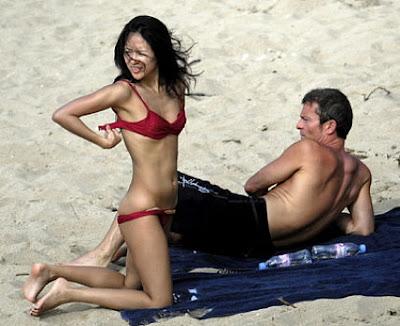 Desnuda En La Playa