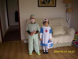 Enfermeiros muito especiais ( dois, dos meus netinhos )