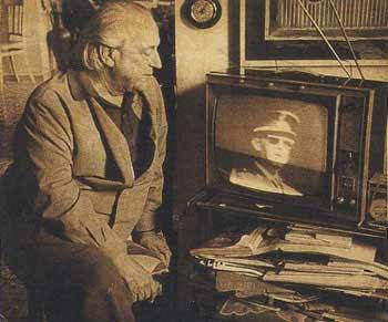 Alberti a Roma che guarda notizie TV sulla morte di Franco