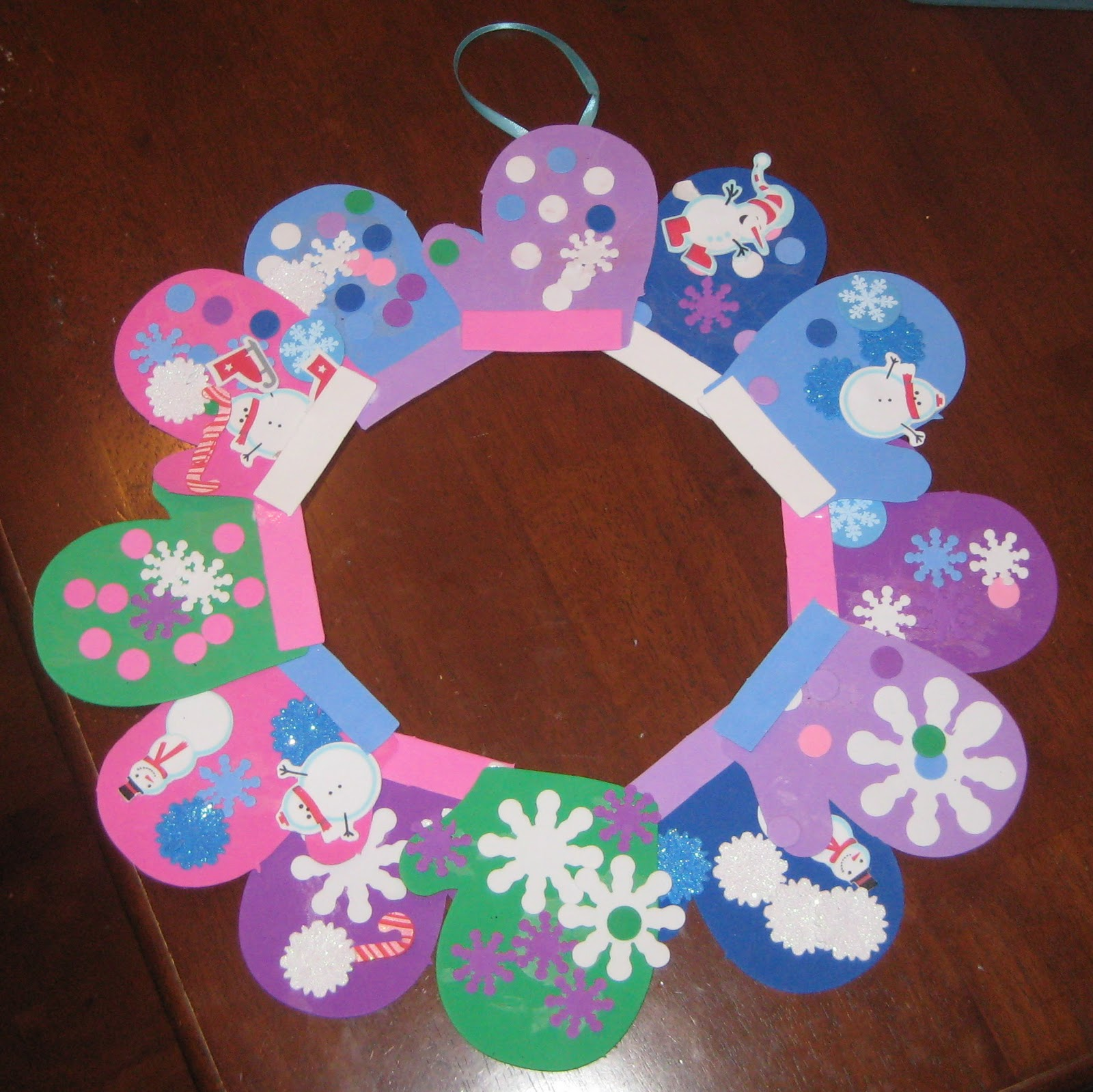 Make a foam winter mitten wreath by stephanie for Winter crafts for preschoolers