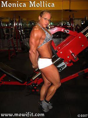 Monica Mollica - Super Legs Woman On Webcam