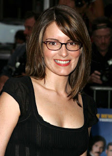 """Tina Fey skewers Michelle """"Bombshell"""" McGee and Tiki Barber"""