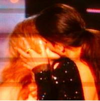 Sandra Bullock kiss of Scarlett Johansson means no Oscar for Sca-Jo?