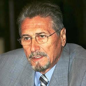 EMIL CONSTANTINESCU CONSIDERA CA BASESCU A INCEPUT INSTAURAREA DICTATURII !