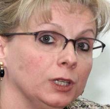 DANIELA ANDREESCU A FOST SEF DEPARTAMENT JURIDIC LA CNSLR-FRATIA