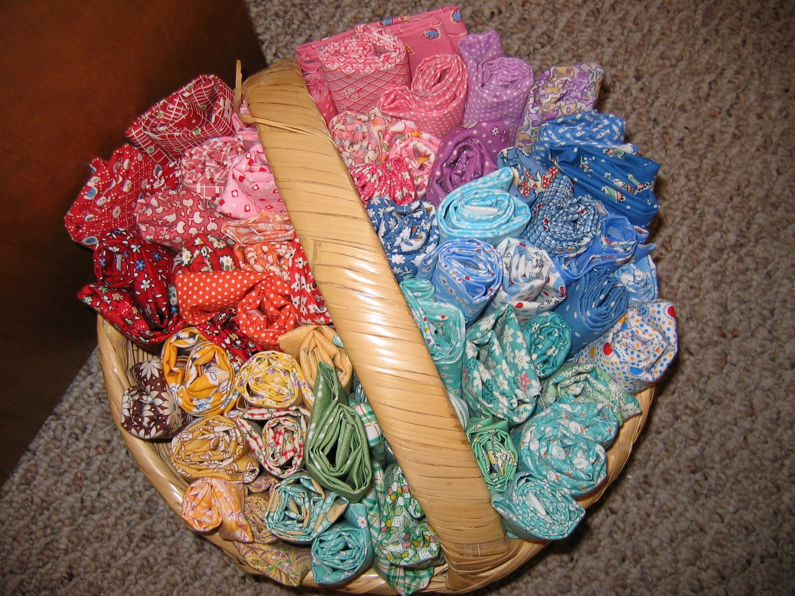 [Basket+of+fabric]