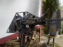 Cabeza de toro: en hierro reciclado.