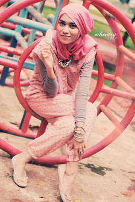 Hijab Style : Soft and Sweet-Saturday