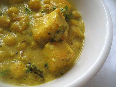 Chickpeas and Paneer in a Spicy Creamy Cashew Gravy