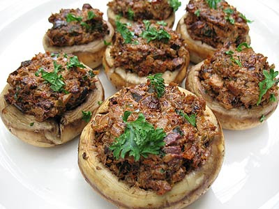 Stuffed Mushrooms with Sun-Dried Tomatoes, Goat Cheese and Olives ...