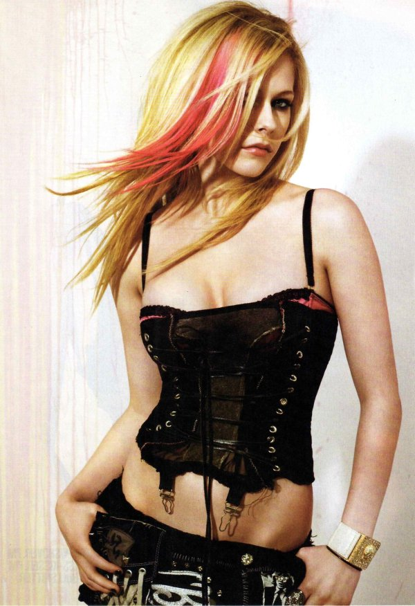 Avril Ramona Lavigne Photo, Wallpaper and Pictures