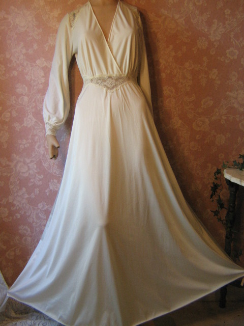 Vintage Pretties: Fabulous Vintage Olga Nightgown in Rare Styles