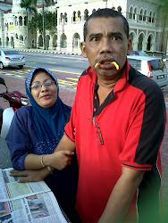 Abah and Ibu yg sporting :)