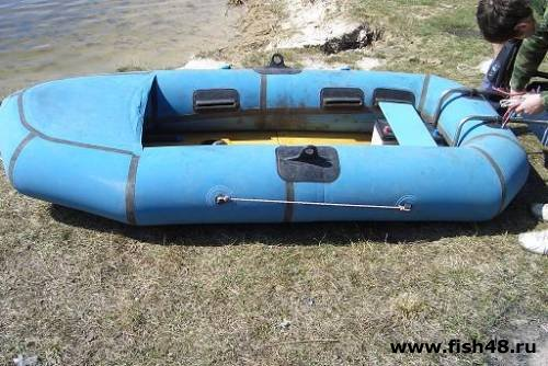 сколько может спускать лодка пвх