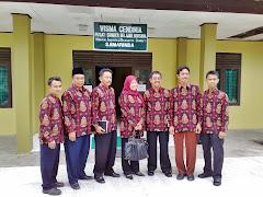 Pa Syam Bersama beberapa Kepala Madrasah Photo bersama, yang paling kanan adalah kepala MTs termuda