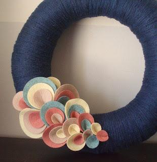itz fitz, etsy blog, etsy.com, yarn wreath, holiday wreath