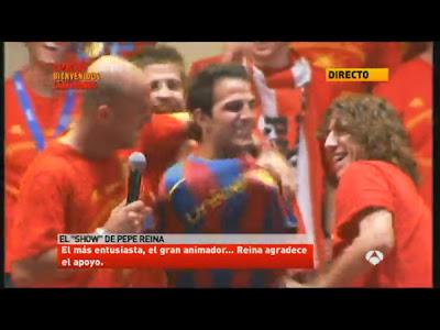 cesc fabregas wears a barcelona shirt, thbn