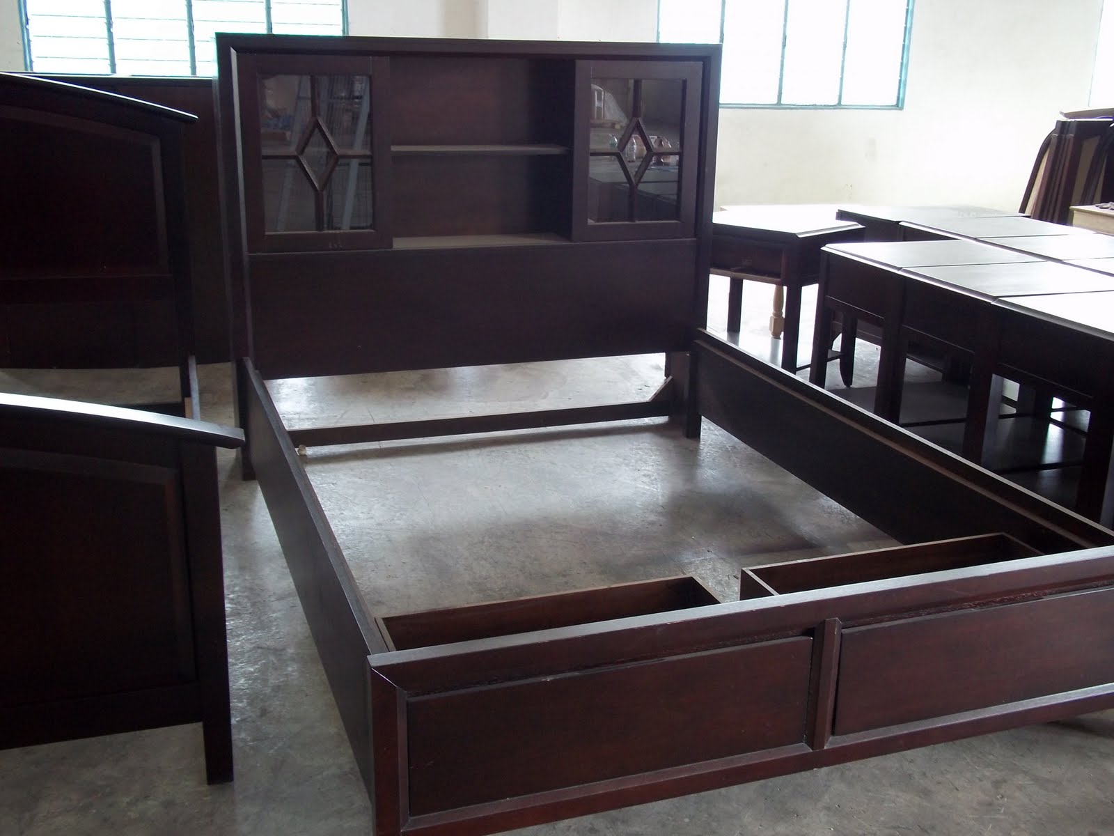 833+: +14: European Design Queen Size Bed made by Solid wood