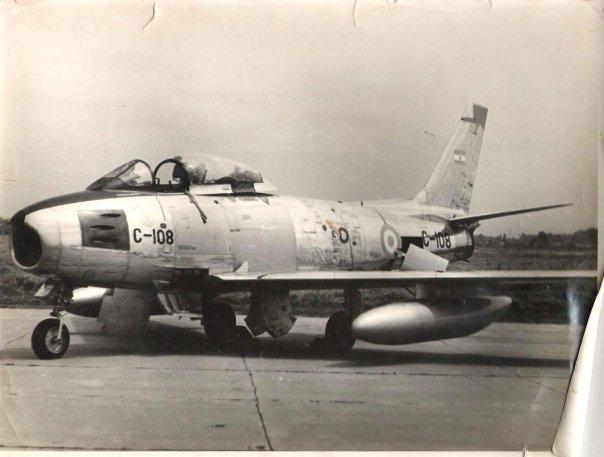 Primeros aviones de combate a reaccion de la argentina