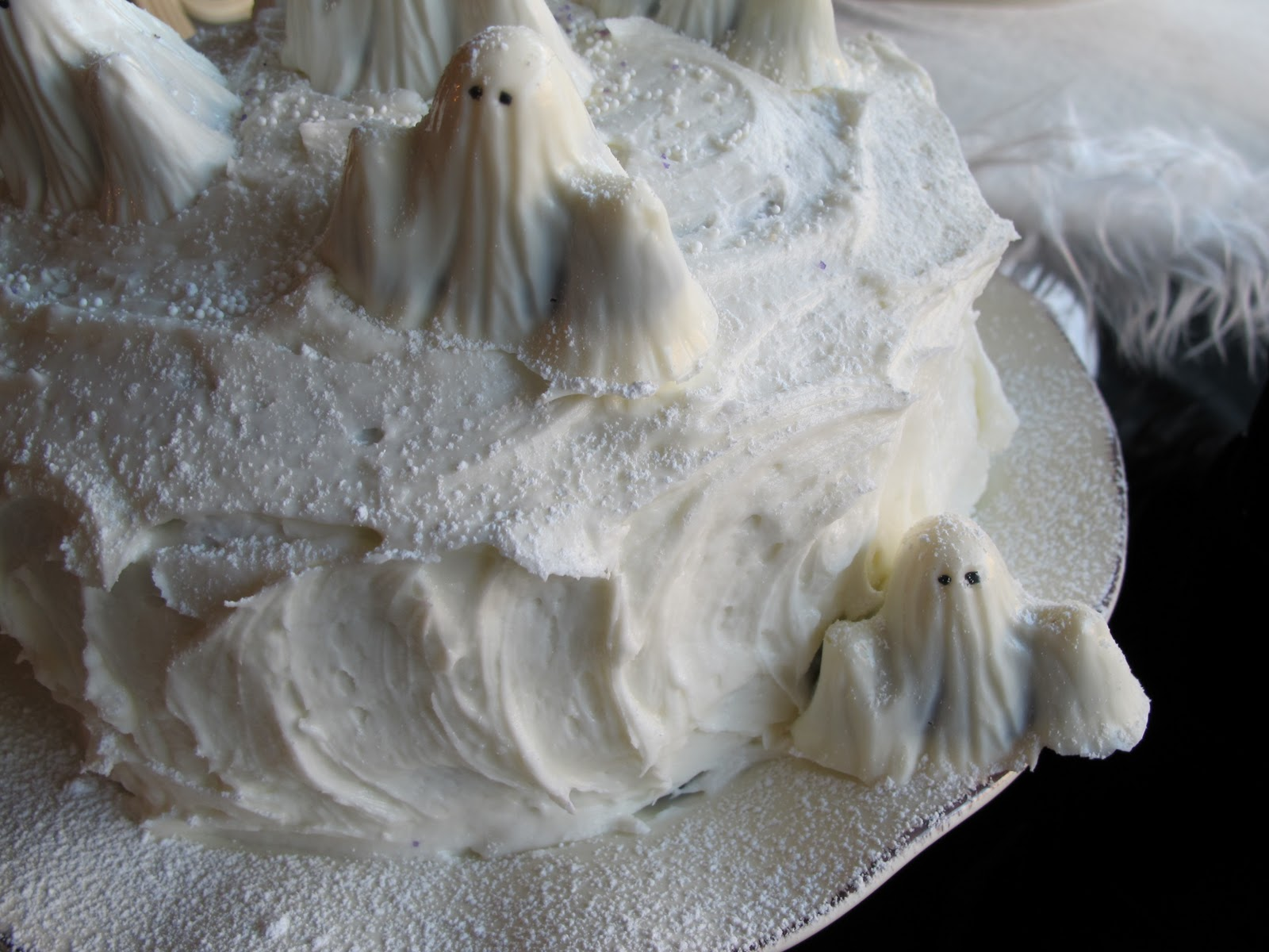 Ghostly White Cakes - Purple Chocolat Home