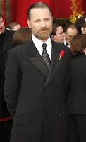 Viggo Mortensen Oscar style