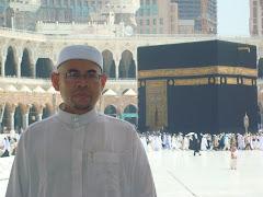 Suamiku.. di Mekah - mengerjakan Umrah