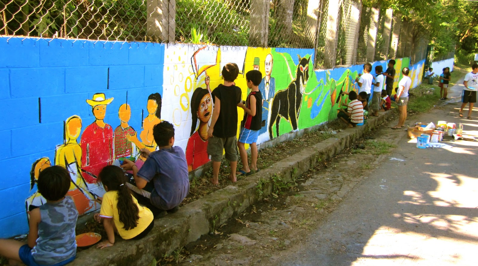 El salvador community mural chalatenango painting the for Community mural