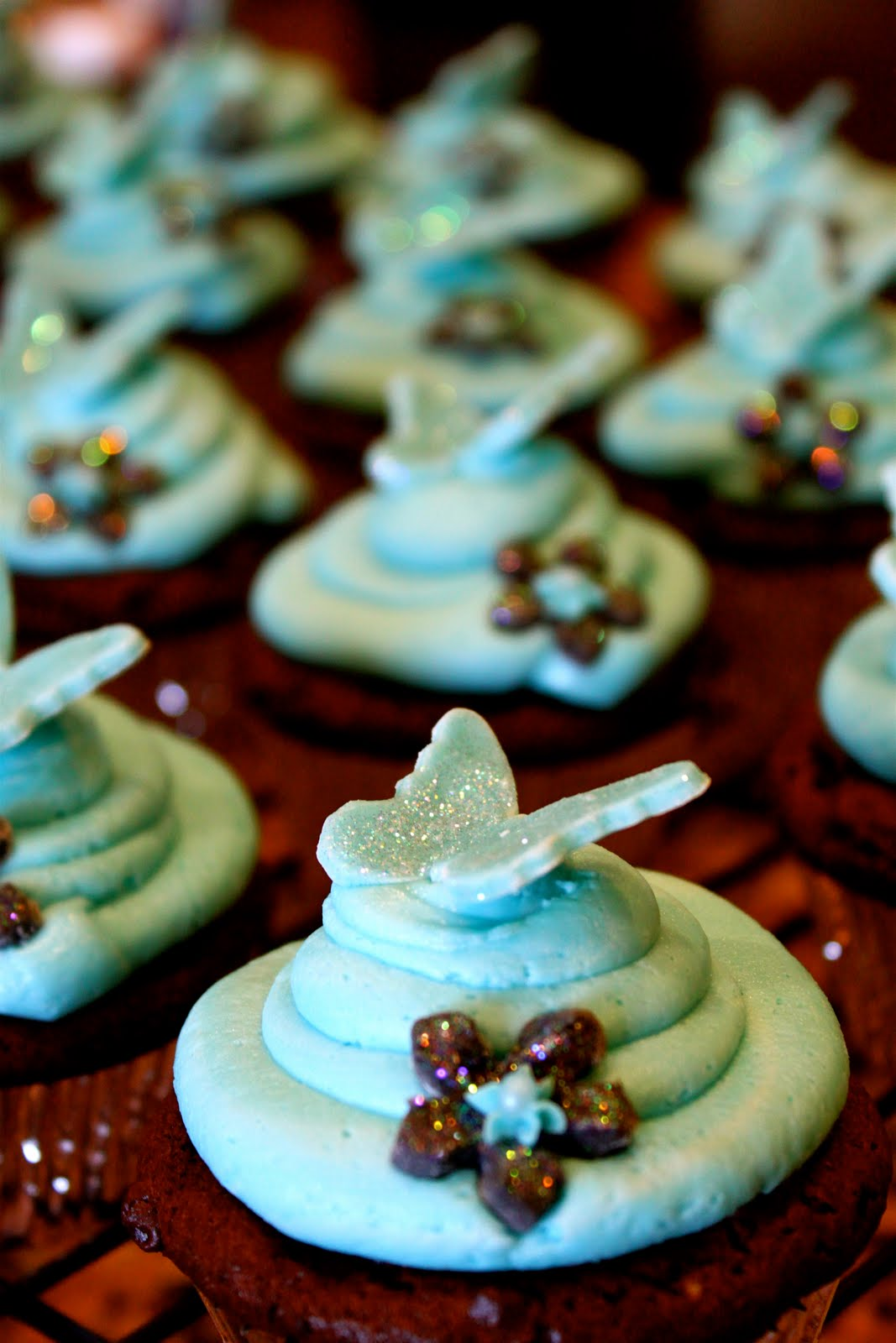 teal bridal shower cupcakes