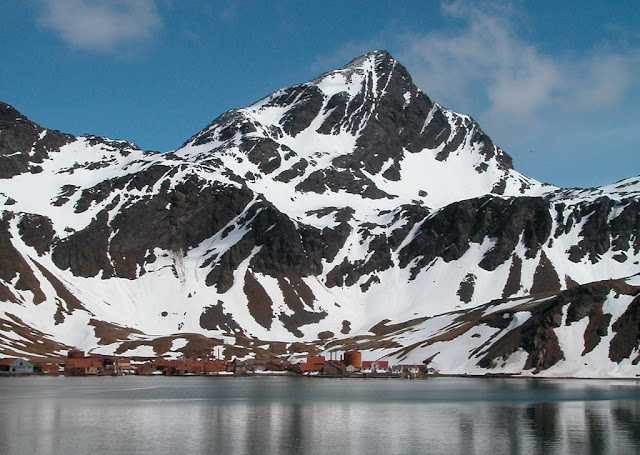 Ghost town in antarctica The abandonned whale station of Grytviken