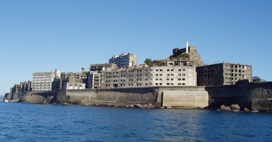 Artificial Owl: The ghost island of Hashima, 端島 (or Gunkanjima, 軍艦島) , Nagasa...