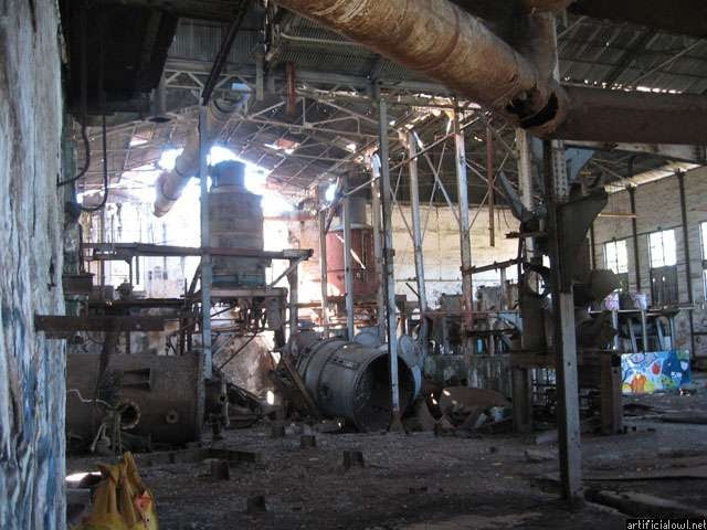 Abandoned sugar cane factory of Pierrefonds part 2: Inside ...