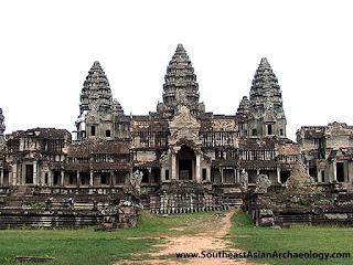 AngkorWat spires Foto Candi Paling Megah Di Dunia
