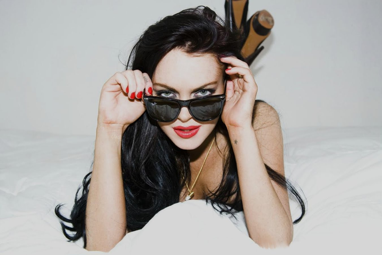 http://4.bp.blogspot.com/_Q0n_DhH07V4/S9nloDC04vI/AAAAAAAACME/QD2HgW1eWoA/s1600/Lindsay+Lohan2.jpg