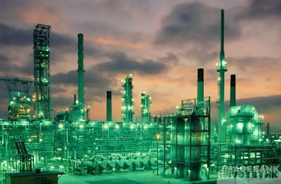 http://4.bp.blogspot.com/_Q0vu0RUX274/SUY31ljJsAI/AAAAAAAAAWs/MPOZh_V3KEo/s400/refinery.jpg