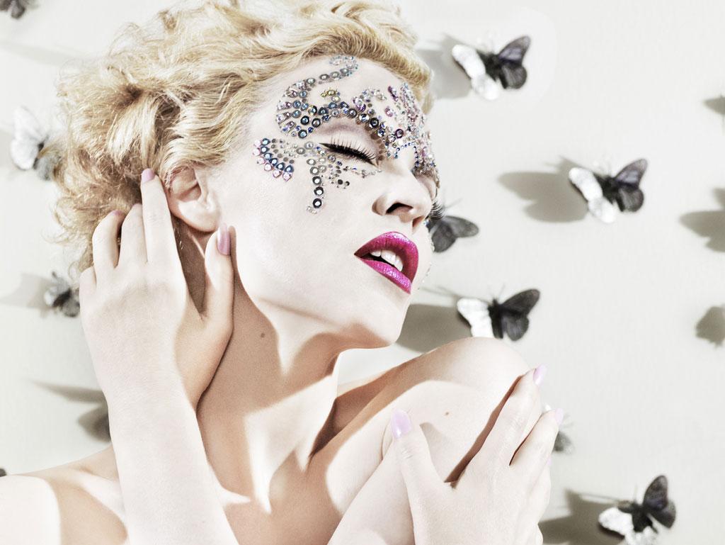 http://4.bp.blogspot.com/_Q4t6Ge05b28/TTV9j6K5BOI/AAAAAAAABHE/yb1HOUKTLww/s1600/Kylie_Minogue.jpg