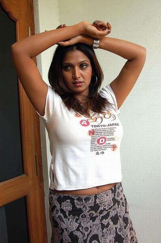Bhuvaneshwari Hot