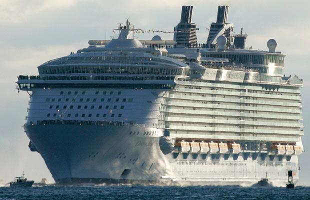 cruise ship 19 World's Biggest Cruise Ship Ever