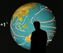 Al Gore durante una de las exposiciones que se aprecian en 'Una verdad incómoda'