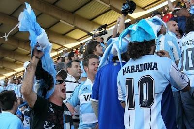 en pretoria todos apoyan a la seleccion argentina entrenamiento