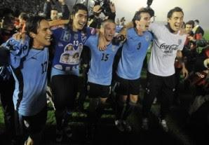 uruguay le gano a mexico y esta clasificado