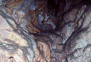 turismo exotico en argentina: caverna o cueva de las brujas en mendoza