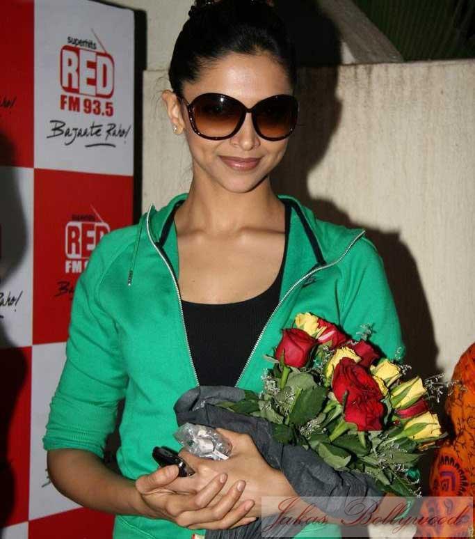Deepika Padukone Karthik Calling Karthik   Jakas Bollywood