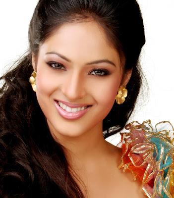 hot sexy star nikesha patel hair style