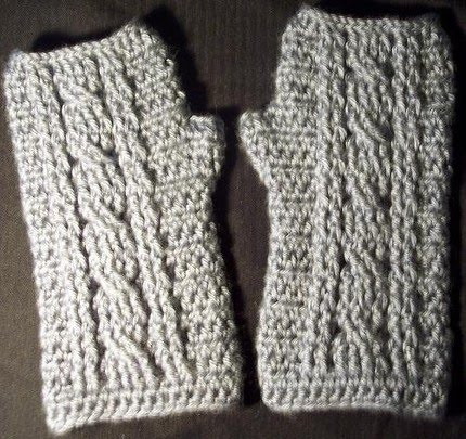 Free Crochet Pattern For Cabled Sweater : JR Crochet Designs: Free Pattern- Cable Wrist Warmer Pattern