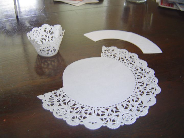 Crafty B: How to make Cupcake wrappers