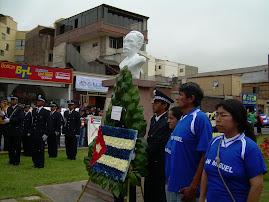 EN MONUMENTO DEL GRAN APOSTOL DE LA INDEPENDENCIA DE CUBA