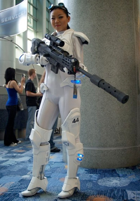 Top 5 Coolest Halloween Costumes - StarCraft Ghost Cosplay