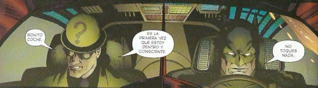 Batman al volante y enigma de copiloto